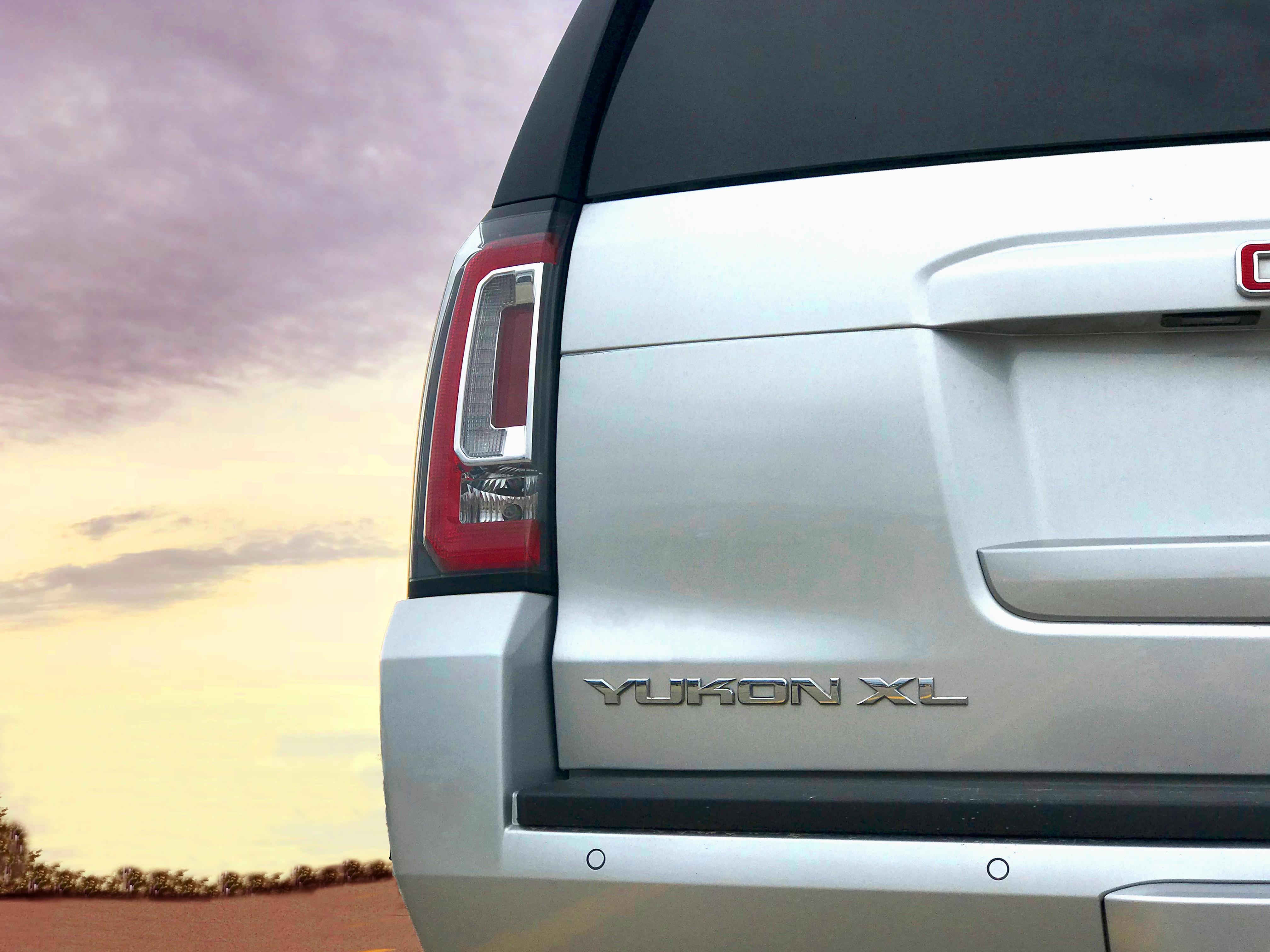 GMC Yukon XL Driver Side Yukon Tail Light Repair